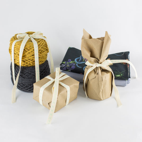 Gift Wrapping & Bundling