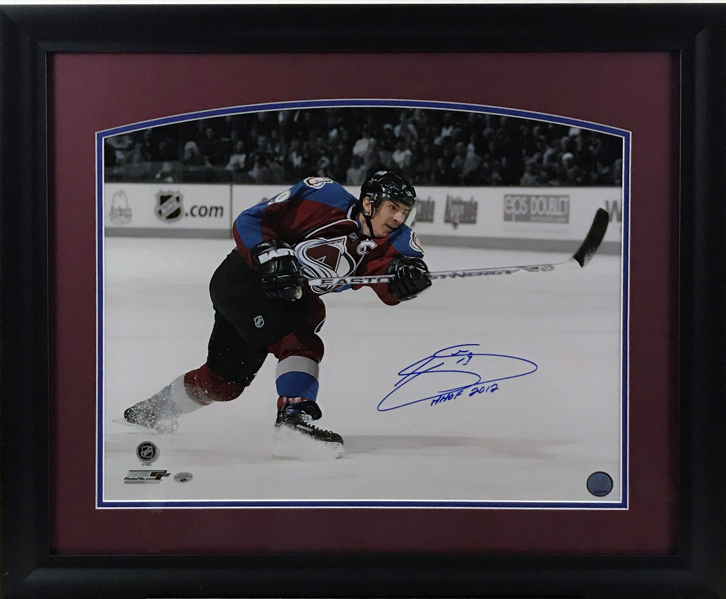 Joe Sakic Signed and Framed 16x20 Photo with Inscription