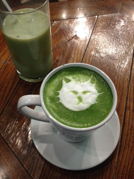 cafe matcha latte