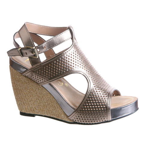 DANETTE in LIGHT GOLD Wedge Sandals
