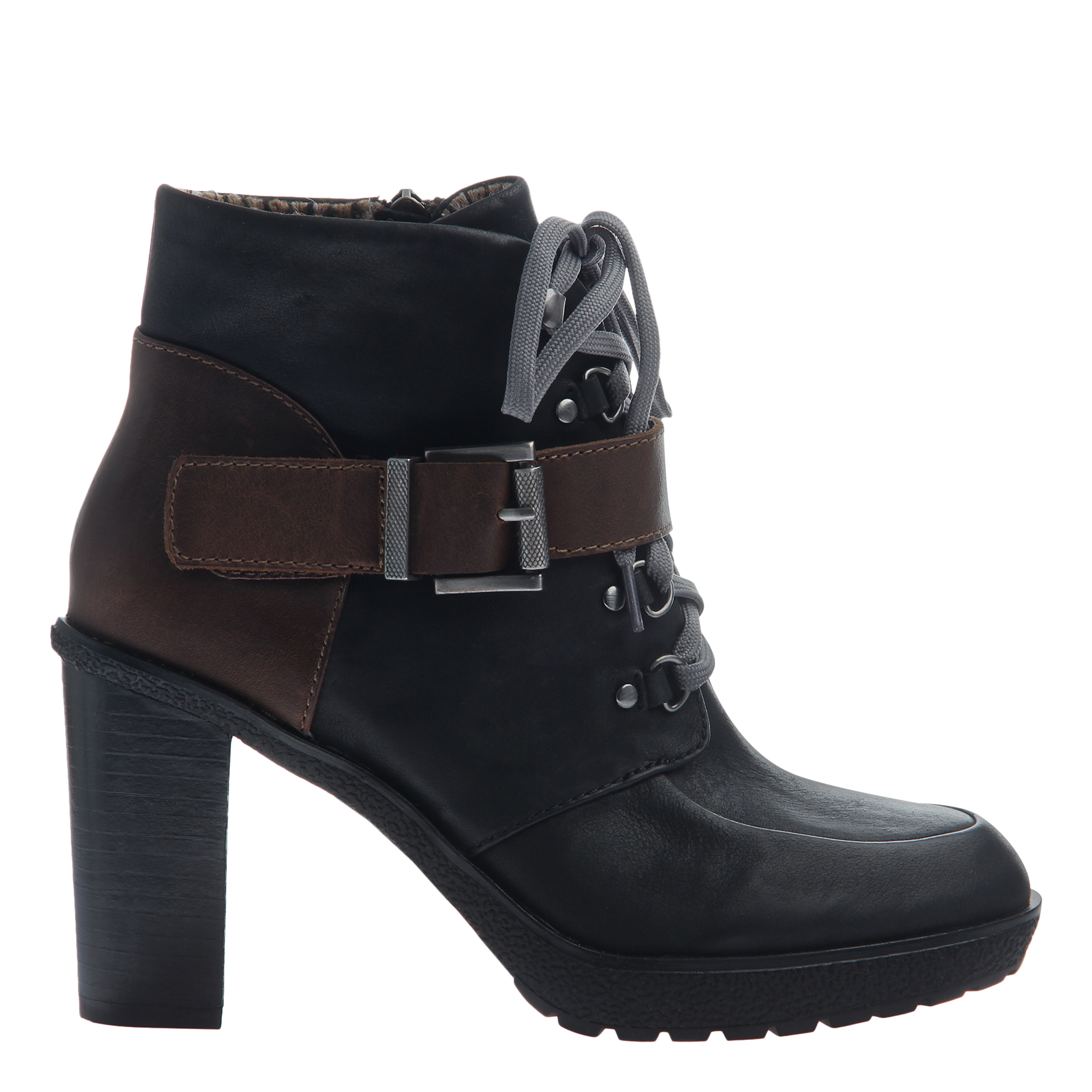 Womens ankle boot Sylvie in black side view
