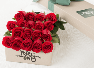 18 Red Roses  Gift Box