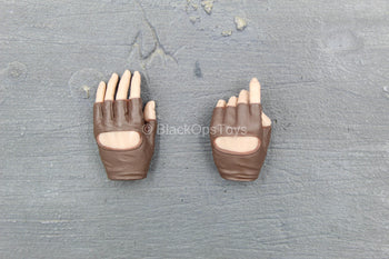 A-TACS FG - Brown Female Gloved Left Hand Set