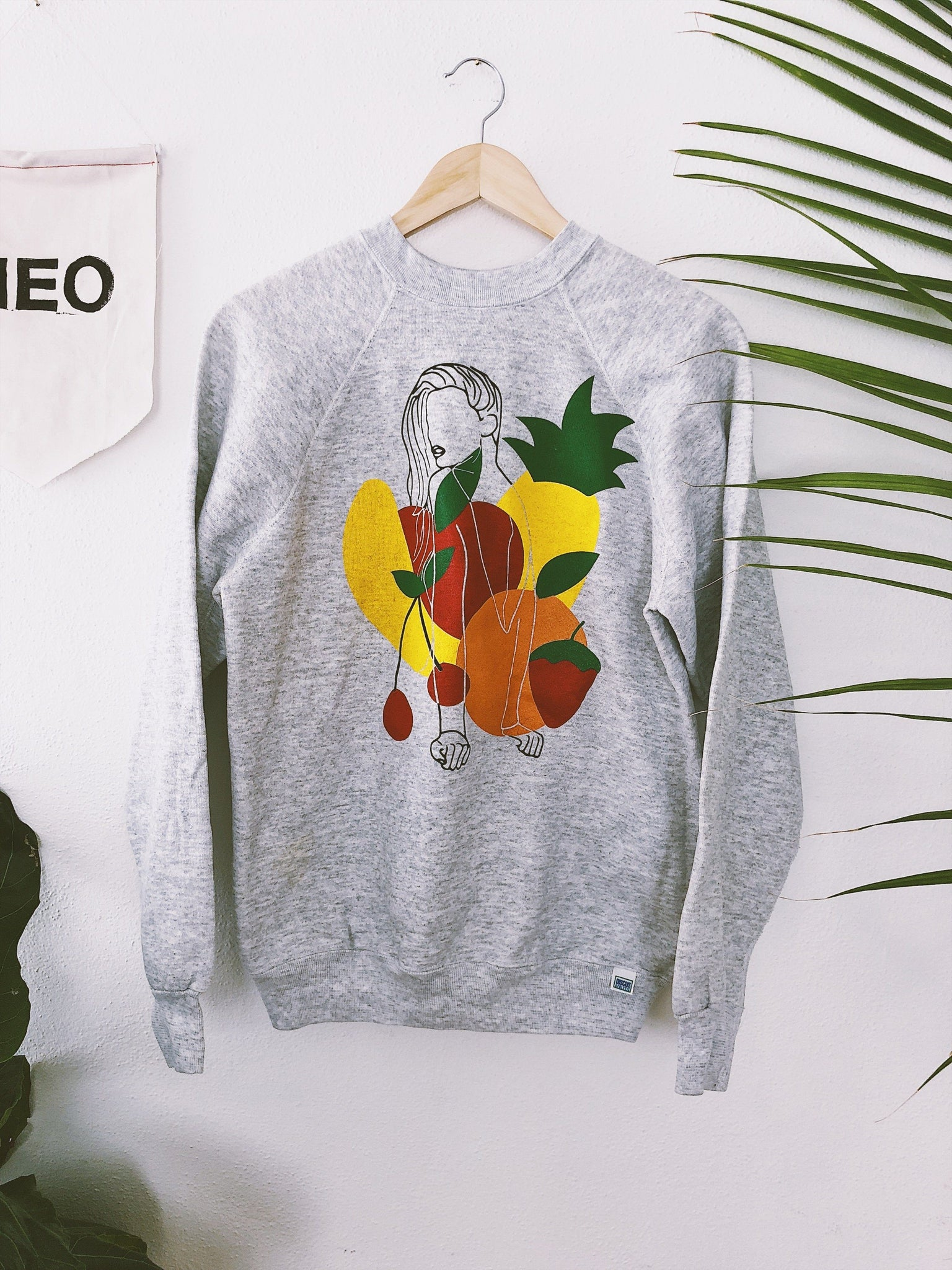 LIMITED Pullover Fruit Lady