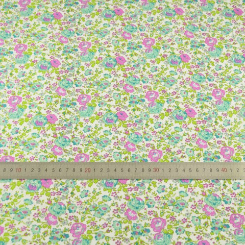 Green Flowers and Leaves - PREMIUM Sewing Fabric