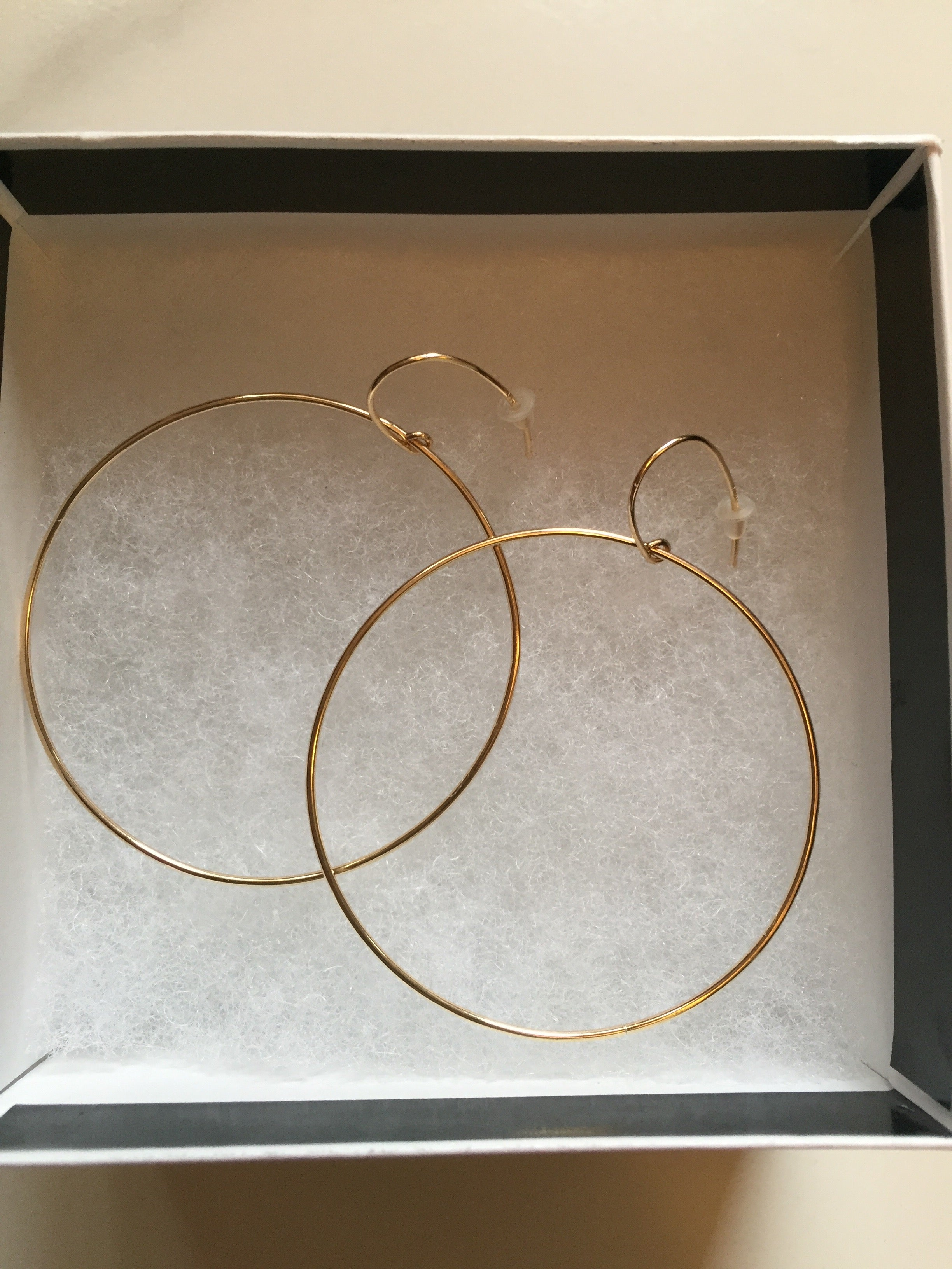 Meera Hoop Earrings
