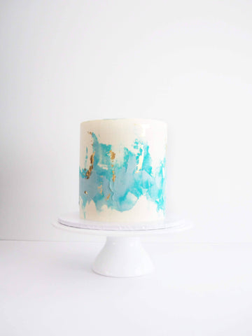BLUE AND WHITE TEXTURED CAKE