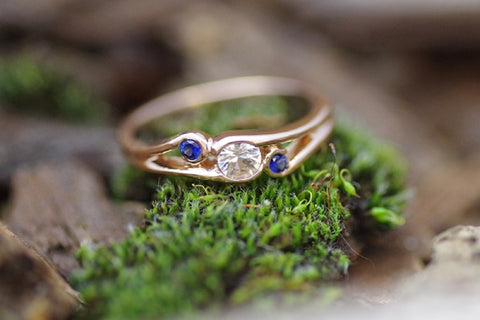 (Design ideas) 14k Rose Gold 3 Stone Sapphire Ring
