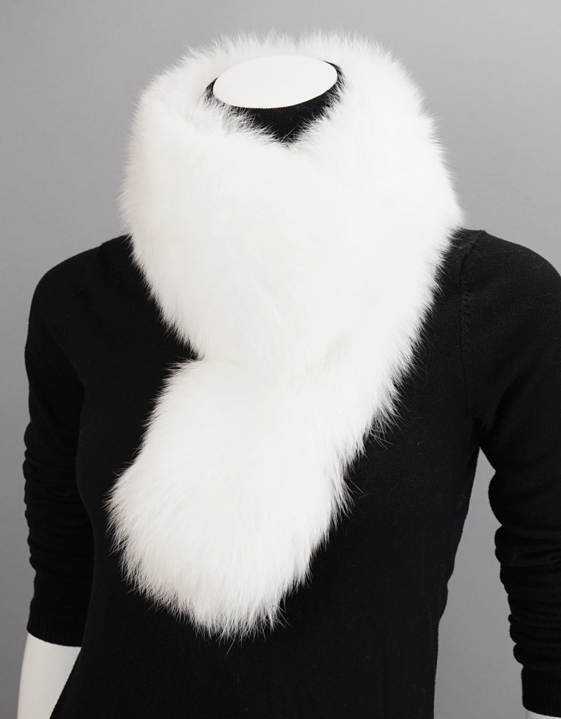 New Essential Fox Clip Collar/ Scarf- Black