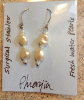 Short Pearl Dangle Earrings.