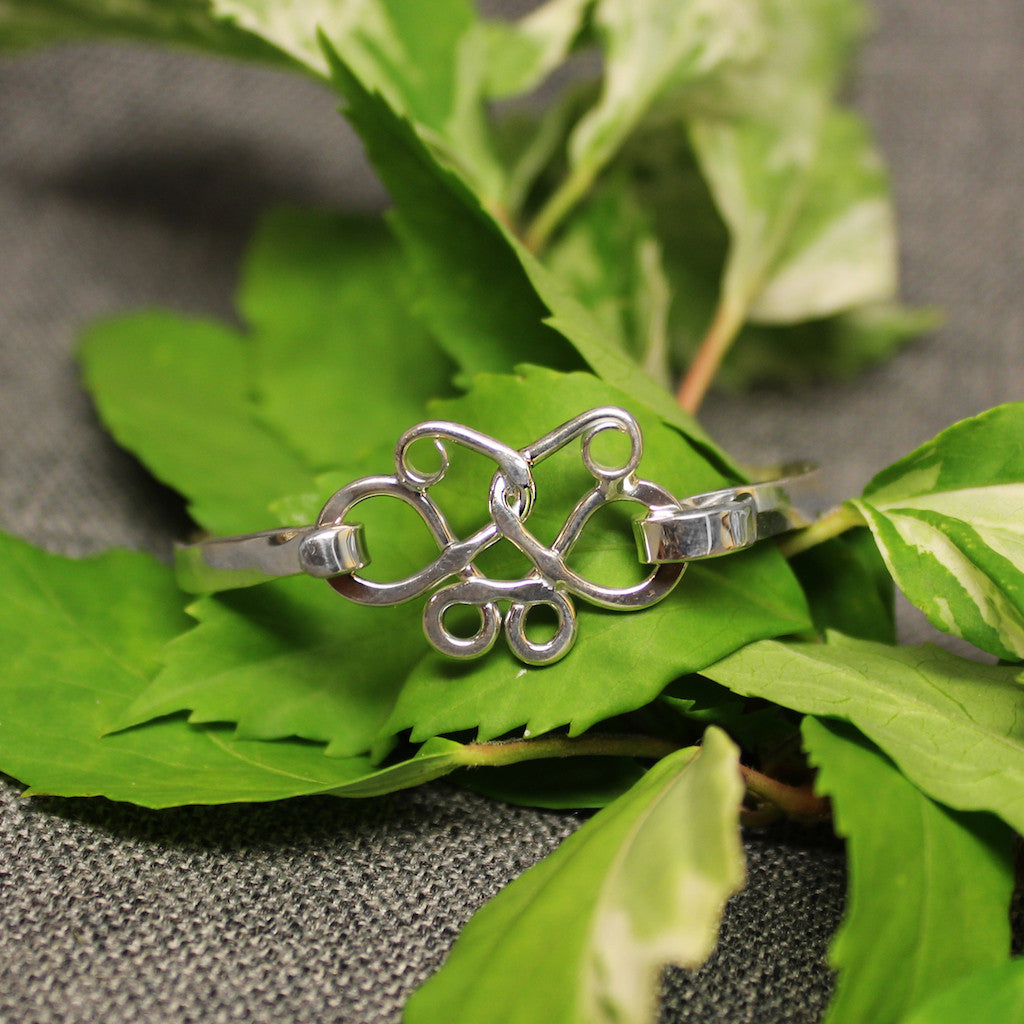 Butterfly Jewelry - Sterling silver Butterfly Effect latching bracelet for children.