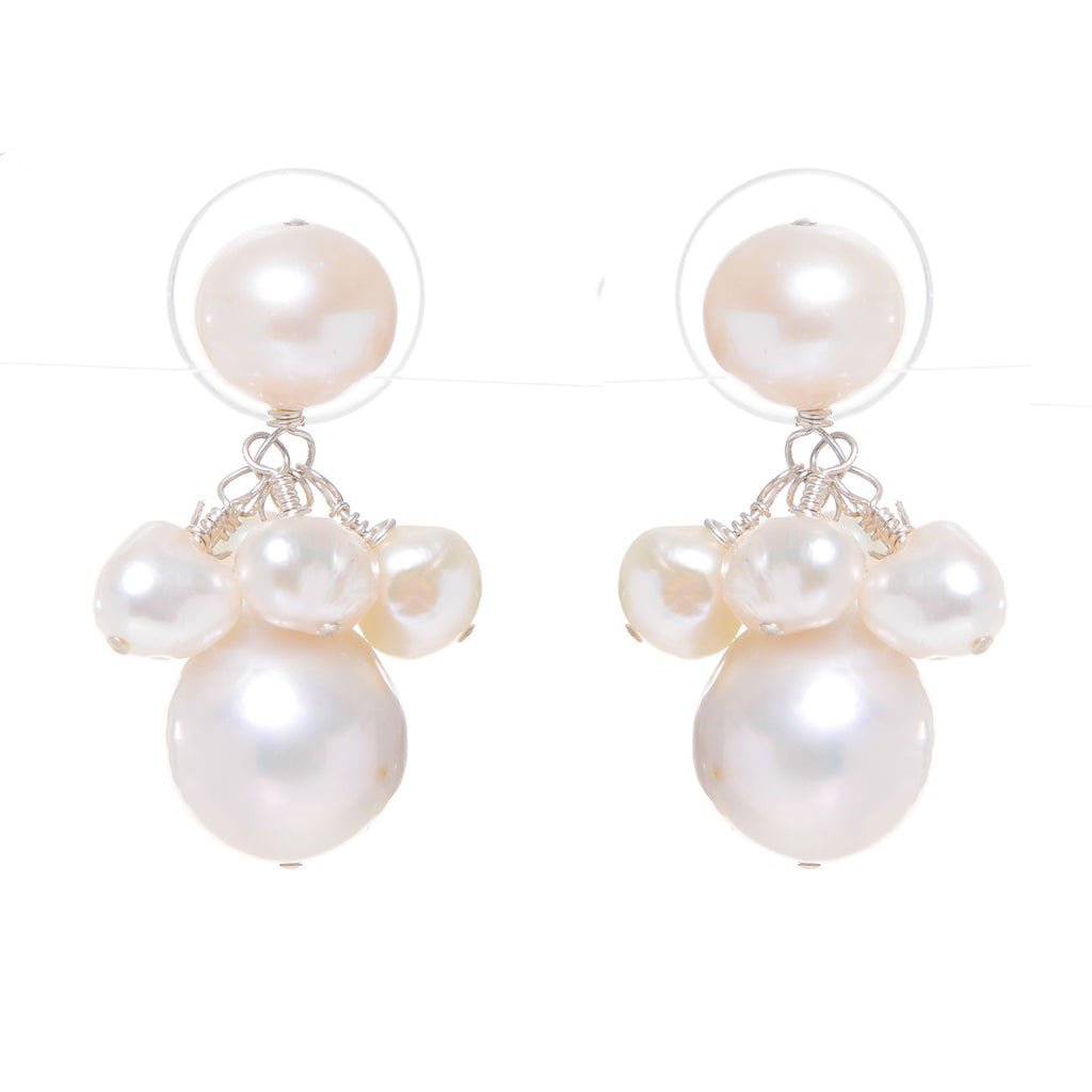 Audrey drops in white pearls