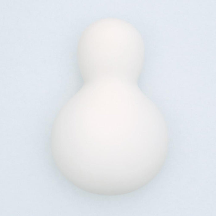 With the snowman shaped YUKI, you can enjoy its vibrations, and its semi-insertable tip.