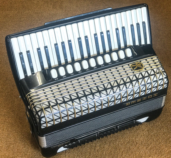 Hohner Atlantic IVn Musette 120 bass piano accordion - TheReedLounge.com