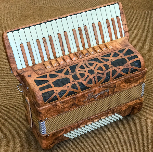 Bugari 151/Xoana 37 key 4 voice 96 bass Piano Accordion - TheReedLounge.com