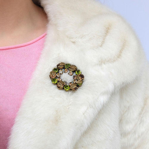 Vintage 1950's Green Brooch & Earrings Set