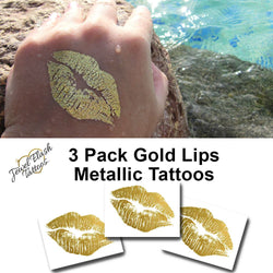 Gold lipstick kiss tattoo print | Photo by Jewel Flash Tattoos