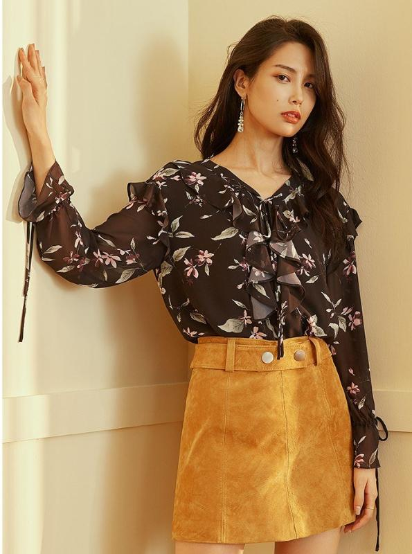 RUFFLED FLORAL SHEER BLOUSE