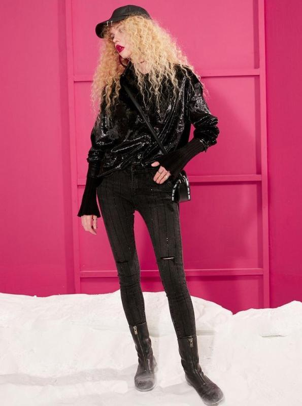 BLACK BEDAZZLED SKINNY JEANS - IMPAVIID