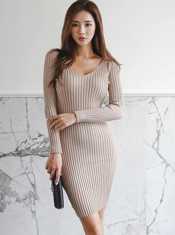 BODYCON KNITTED SWEATER DRESS - IMPAVIID