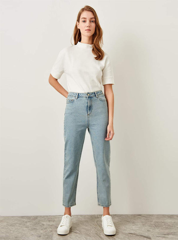 80IN INSPIRED MOM JEANS