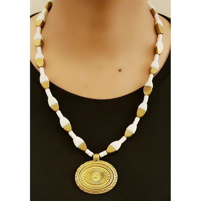 White And Gold Glass Beads Necklace