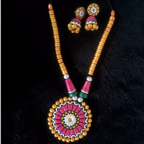 Floral Gold Necklace and Earrings set