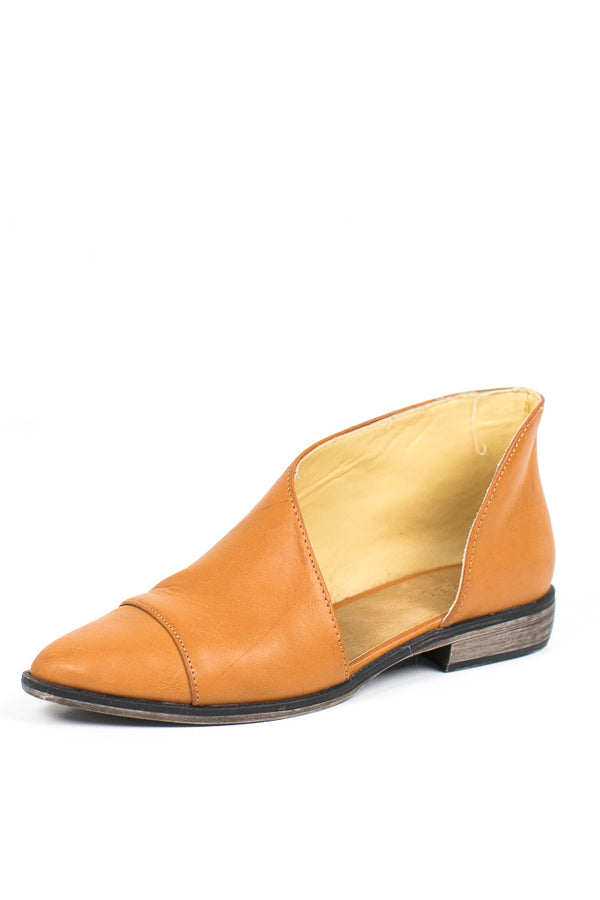 5.5 / Tan Tuxedo Cutout Flats - Madison + Mallory