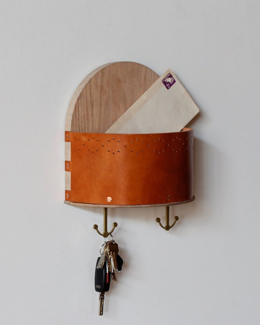 Lostine Piper Mail holder wood and leather shelf with key rack