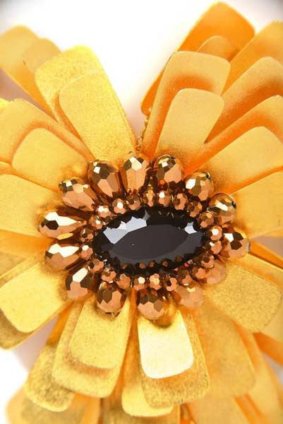 Vilaiwan Gold Tone Tab Flower Statement Necklace