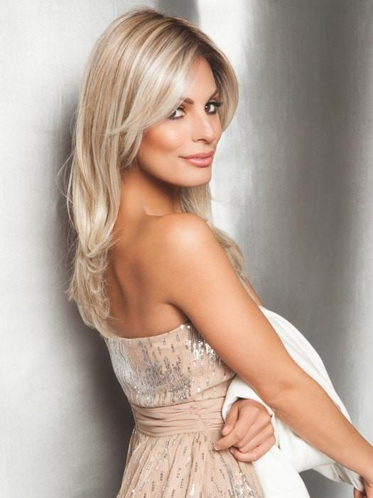 SPOTLIGHT ELITE by Raquel Welch in RL19/23SS SHADED BISCUIT | Light Ash Blonde Evenly Blended with Cool Platimun Blonde and Dark Roots