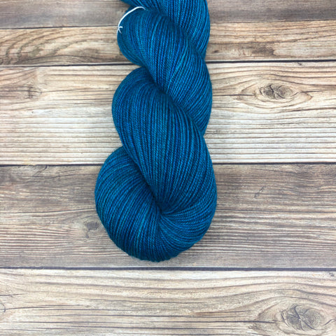 Legend in Beaumains - Round Table Yarns hand-dyed yarn tonal semi-solid self-striping