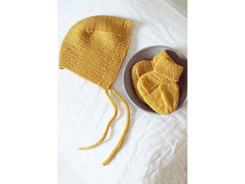 Baby Knitted Socks & Hat in Novita Baby Merino