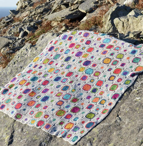Scrumptious Bubbles Blanket Pattern by Amanda Perkins - Digital Version