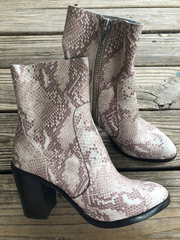 Dolce Vita Leather Snake Skin Booties ~ Size 10