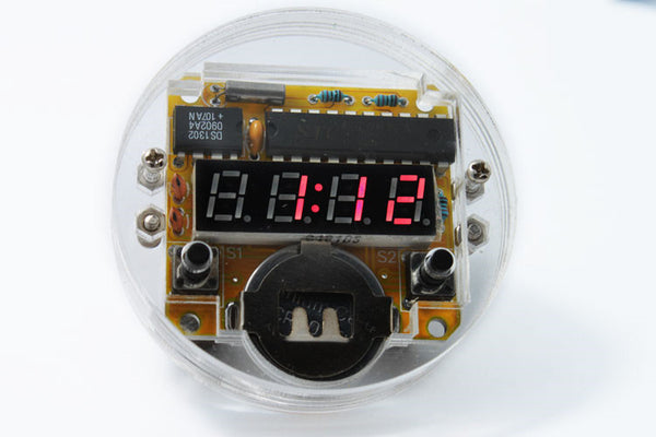 4 bits LED watch kit with microcontroller