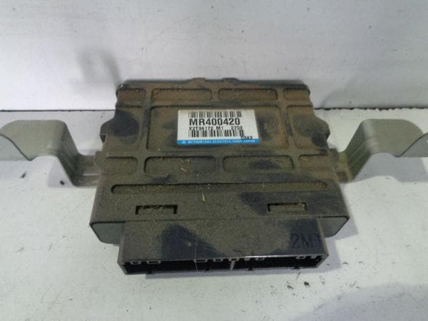 1999 - 2006 MITSUBISHI SHOGUN PAJERO MK3 ABS ECU ANTI LOCK BRAKES MR400420