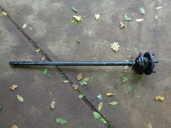 1998 - 2004 LAND ROVER DISCOVERY 2 TD5 NEAR SIDE REAR HALF SHAFT AND HUB #12108