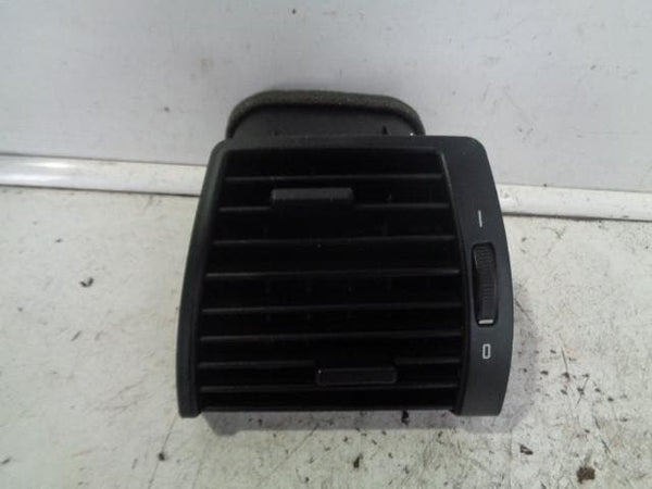 2000 - 2006 BMW X5 E53 NEAR SIDE FRONT DASHBOARD VIR VENT IN BLACK