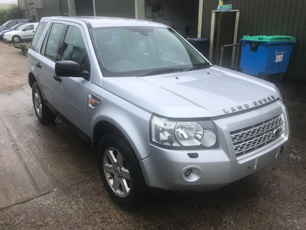CURRENTLY BREAKING... 2007 LAND ROVER FREELANDER 2 - 2.2L TD4 MANUAL GS SILVER