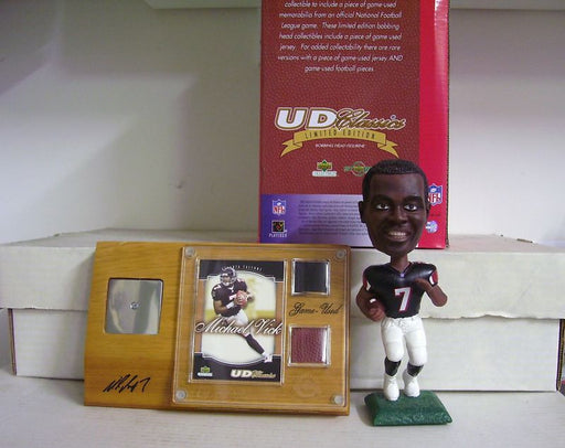 Michael Vick Bobblehead, Jersey, and Ball - BobblesGalore