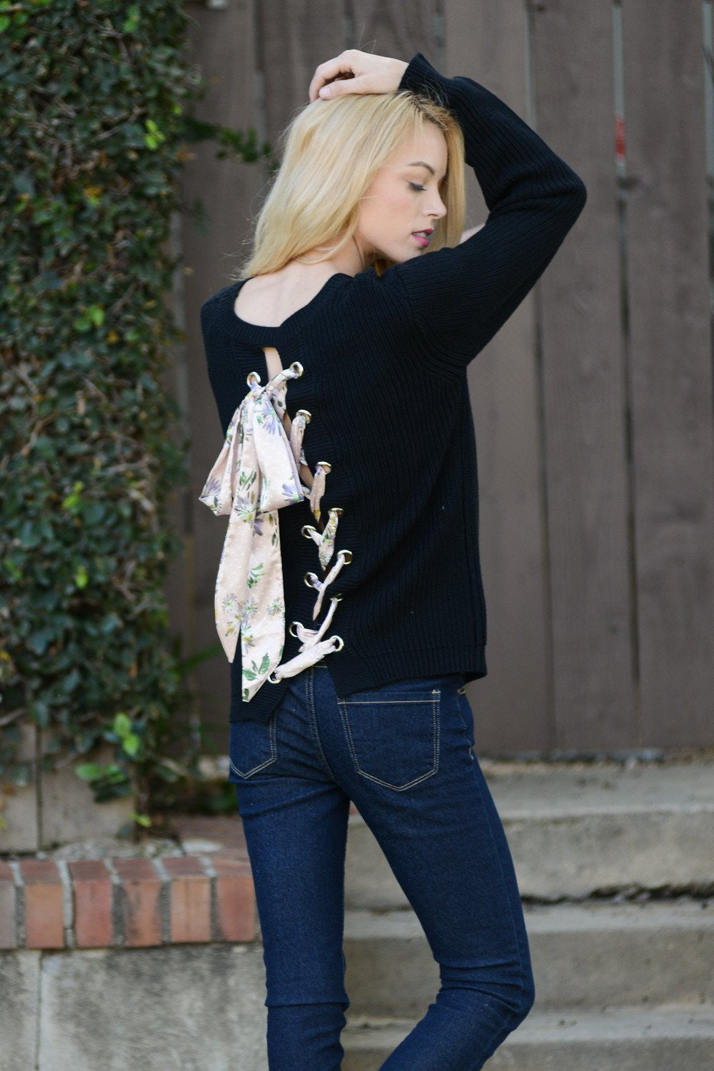 Back Detail Floral Tie Sweater Top
