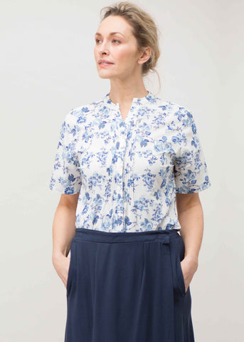 Cassie Pure Cotton Short Sleeve Floral Velcro Shirt - Blue Rose: VAT Exempt