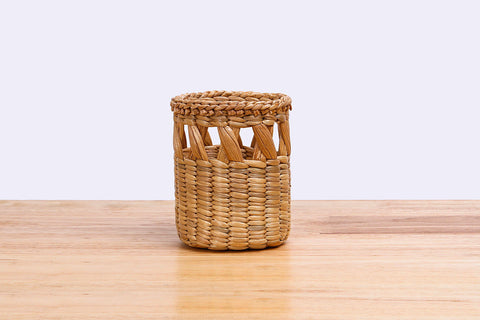 Natural straw wicker mini container (width-tall)