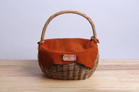 Paniers NEM - Rattan wicker basket with a lamb leather cover (Orange)