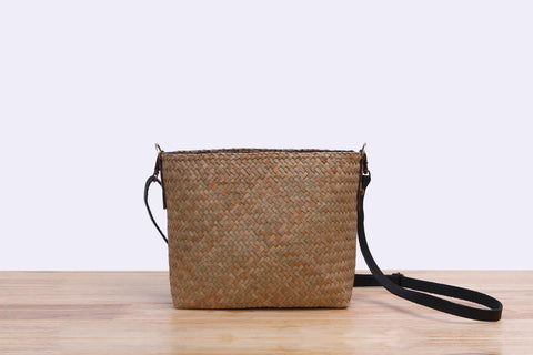 Small wicker quilted bag