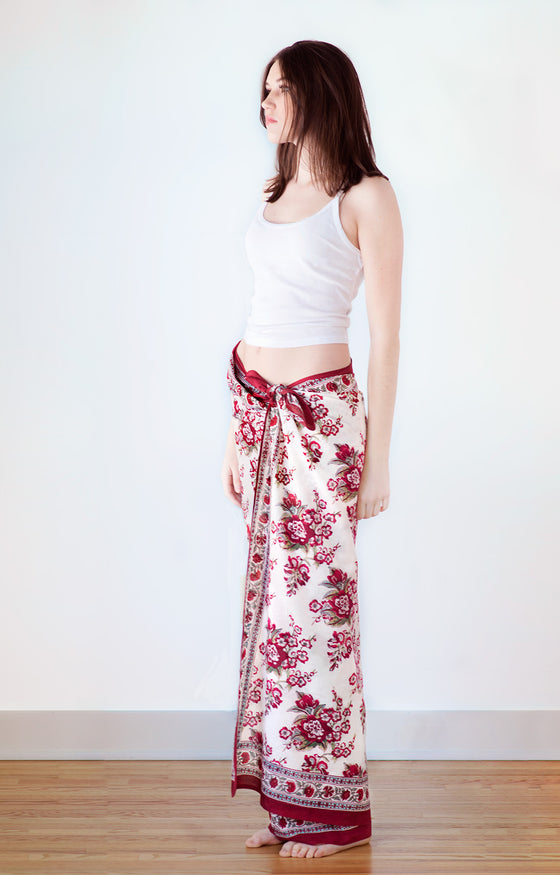 Sarong in Blossoms Red