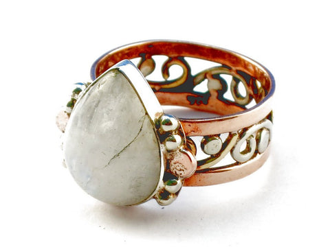 Design 105279 Rainbow Moonstone .925 Sterling Silver Ring Size 9