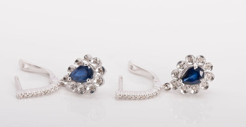 18k White Gold Diamond and Sapphire Dangle Earrings