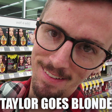 TAYLOR GOES BLONDE!